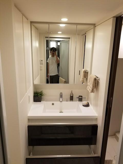 洗面台の下には収納スペース