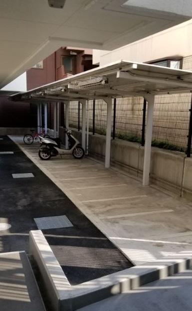 ザ・パークハビオ 目黒 バイク置き場
