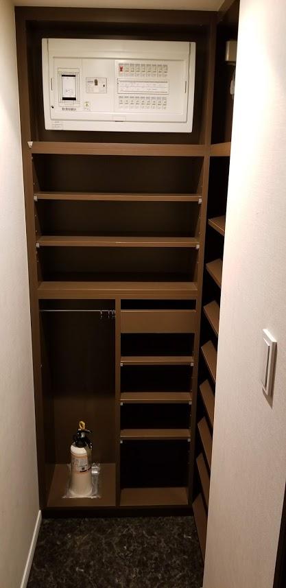 クレストフォルム日本橋水天宮の玄関のシューズボックス