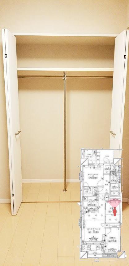 クレストフォルム日本橋水天宮の4.5帖の寝室のウォークインクローゼット