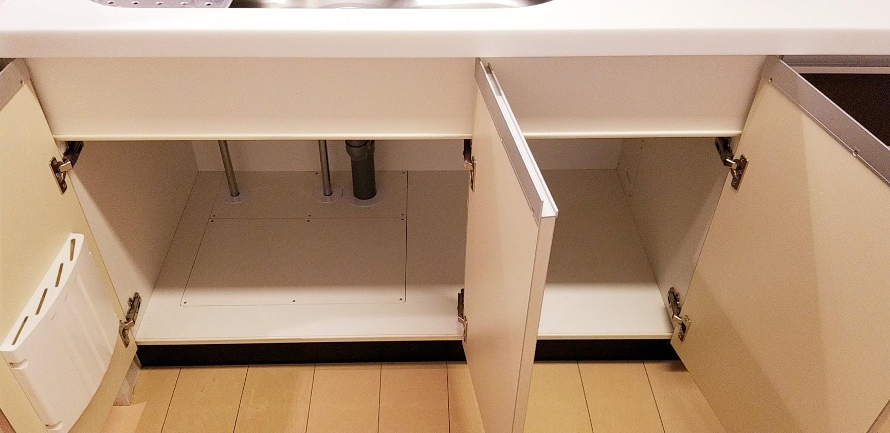 クレストフォルム日本橋水天宮のキッチンのシンクの下の収納