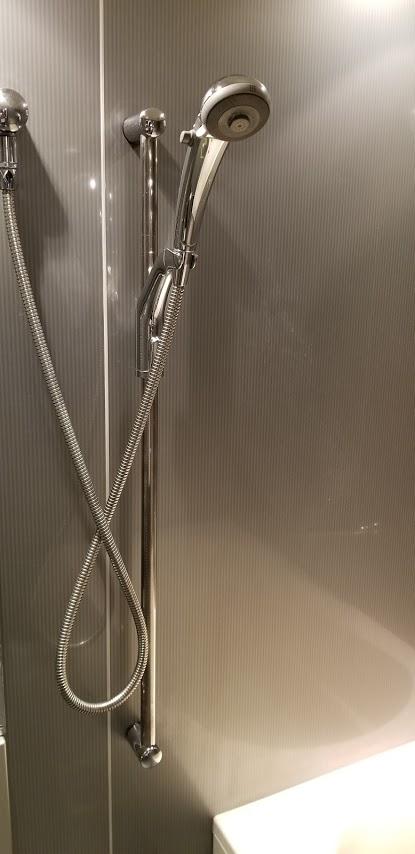 ドゥーエ日本橋のお風呂場のシャワー