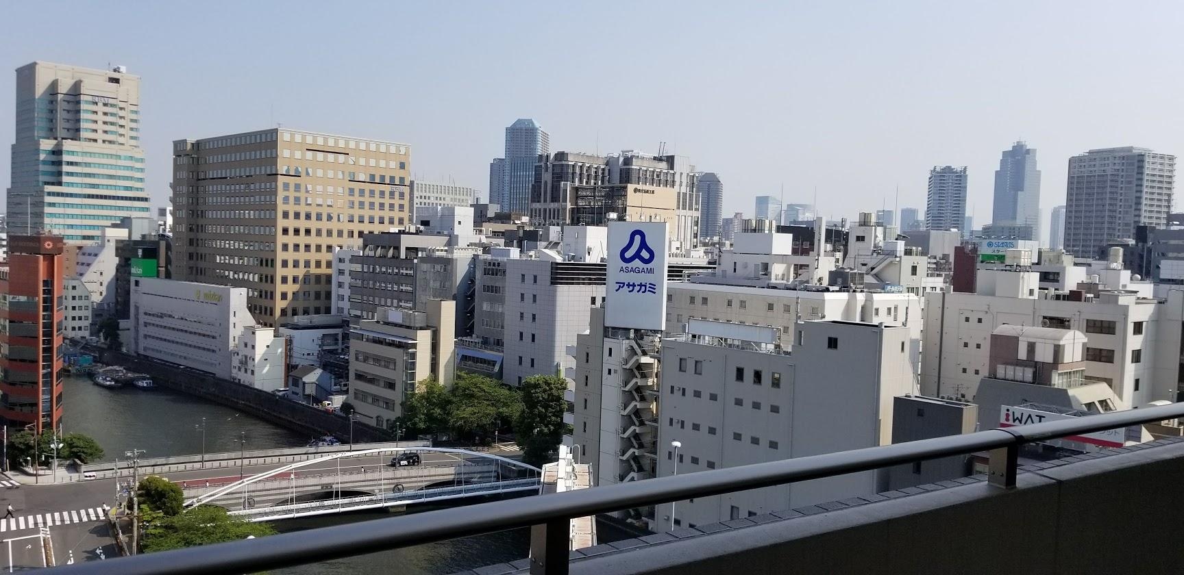 ドゥーエ日本橋のバルコニー