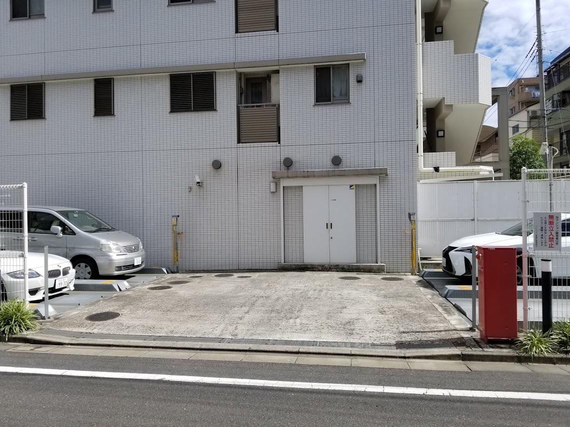 プレミスト東陽町の平置き駐車場
