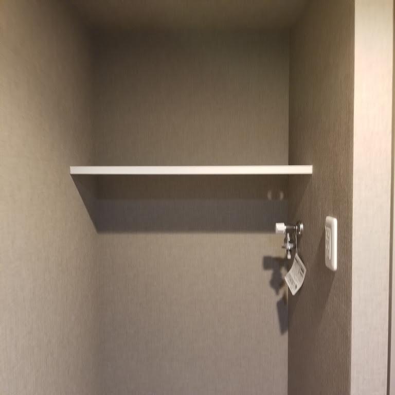 洗濯機置き場上部の棚